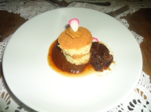 Cake with Doce de Leite and plum sauce